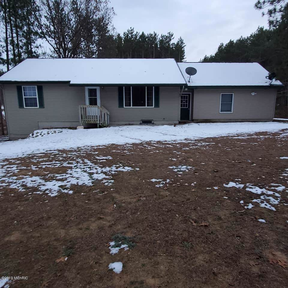 10601 Colby Road - Photo 1