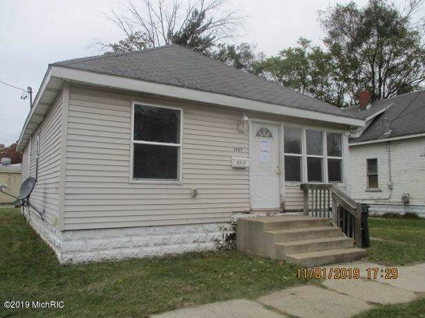 1767 Pine Street, Muskegon, MI 49442 (MLS #19055677) :: JH Realty Partners