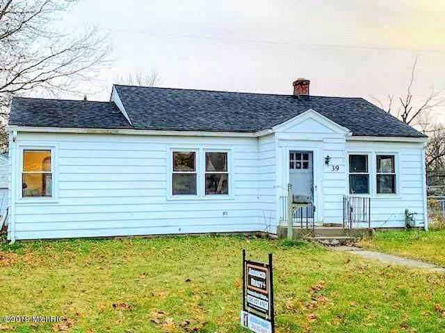 39 Meadowlawn Avenue W, Battle Creek, MI 49017 (MLS #19057208) :: Deb Stevenson Group - Greenridge Realty