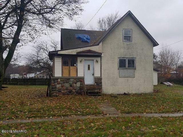 4647 Oak Street, Coral, MI 49322 (MLS #19057975) :: Deb Stevenson Group - Greenridge Realty