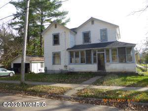 210 E 4th Street, Buchanan, MI 49107 (MLS #20000837) :: CENTURY 21 C. Howard
