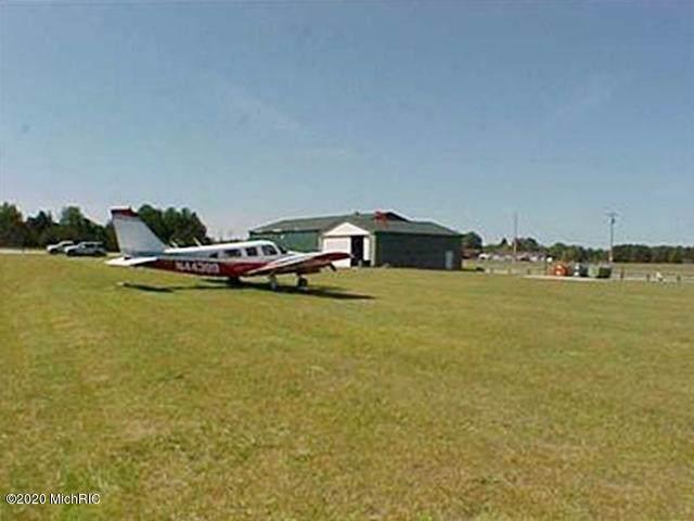 7236 Cessna Lane #55, Canadian Lakes, MI 49346 (MLS #20000885) :: Deb Stevenson Group - Greenridge Realty