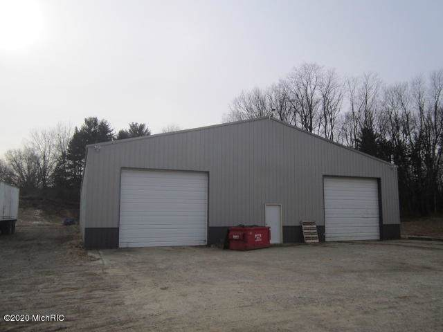 12240 E Michigan Avenue, Marshall, MI 49068 (MLS #20000989) :: Deb Stevenson Group - Greenridge Realty