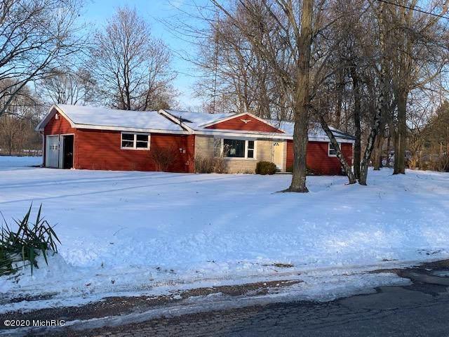 70501 Miller Road, Sturgis, MI 49091 (MLS #20003095) :: Matt Mulder Home Selling Team