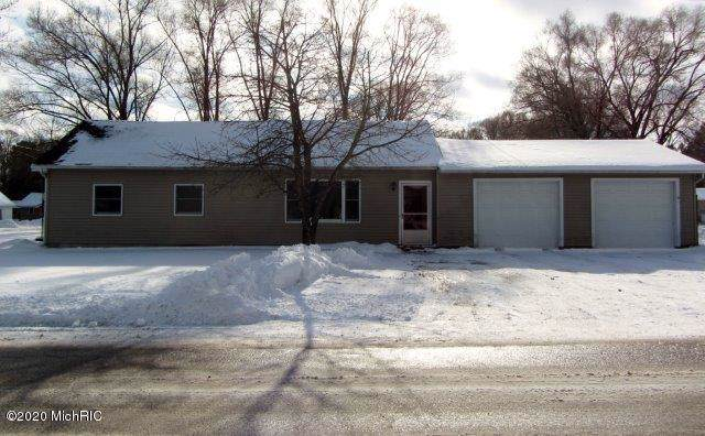 847 N Oak Street, Evart, MI 49631 (MLS #20003629) :: CENTURY 21 C. Howard