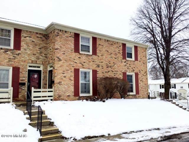 2446 Abbington Drive SE #203, Grand Rapids, MI 49506 (MLS #20005938) :: Matt Mulder Home Selling Team