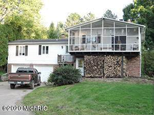 10640 Manning Lake Road, Delton, MI 49046 (MLS #20006897) :: Deb Stevenson Group - Greenridge Realty