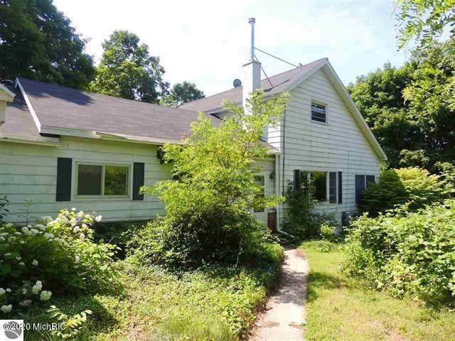 1310 Main Street, Frankfort, MI 49635 (MLS #20013066) :: CENTURY 21 C. Howard