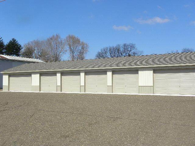 31934 Brooks Drive, Dowagiac, MI 49047 (MLS #20018314) :: JH Realty Partners