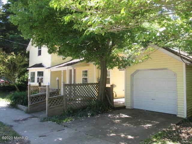 317 Spruce Street, Allegan, MI 49010 (MLS #20019368) :: CENTURY 21 C. Howard