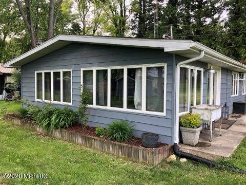 65551 Park Avenue, Bangor, MI 49013 (MLS #20019639) :: Deb Stevenson Group - Greenridge Realty
