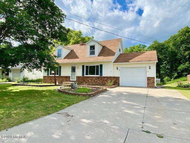635 W High Street, Hastings, MI 49058 (MLS #20023837) :: Jennifer Lane-Alwan