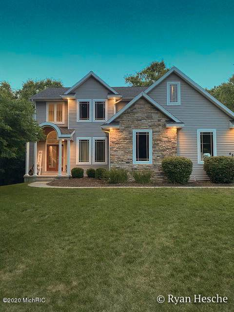 4505 Deerhaven Park Drive, Lowell, MI 49331 (MLS #20025623) :: Jennifer Lane-Alwan