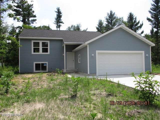 427 Ramona Road, Twin Lake, MI 49457 (MLS #20025771) :: Jennifer Lane-Alwan