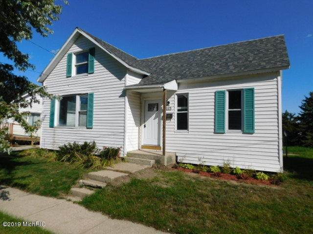 1025 Davis Street, Manistee, MI 49660 (MLS #20026611) :: Deb Stevenson Group - Greenridge Realty
