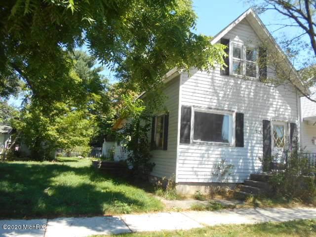 301 E Pere Marquette Street, Ludington, MI 49431 (MLS #20029846) :: Jennifer Lane-Alwan