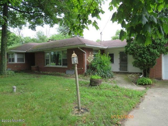 4015 Capital Avenue SW, Battle Creek, MI 49015 (MLS #20030125) :: Jennifer Lane-Alwan