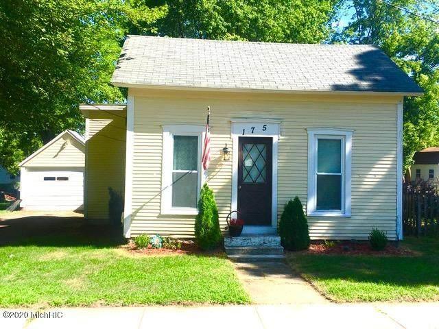 175 Oak Street NE, Cedar Springs, MI 49319 (MLS #20030409) :: Jennifer Lane-Alwan