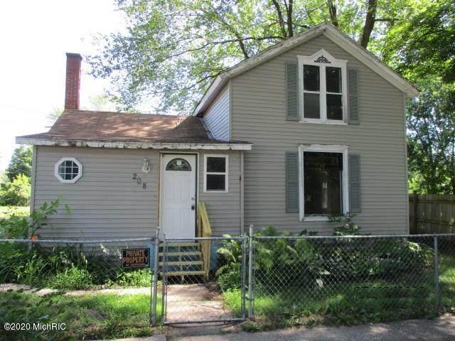 208 W South Street, Hartford, MI 49057 (MLS #20031396) :: Jennifer Lane-Alwan