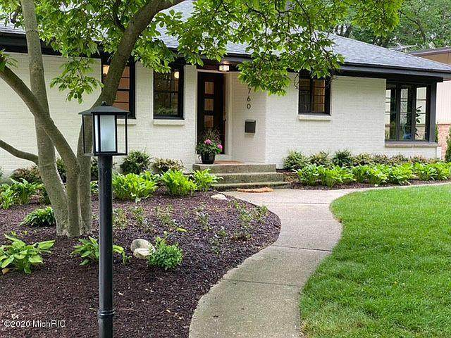 2760 Hall Street SE, East Grand Rapids, MI 49506 (MLS #20031665) :: Ginger Baxter Group