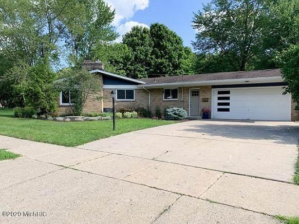 2340 Boston Street SE, Grand Rapids, MI 49506 (MLS #20031838) :: Ginger Baxter Group