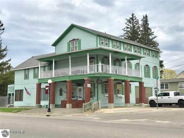 900 Lake Street, Roscommon, MI 48653 (MLS #20032301) :: Ginger Baxter Group