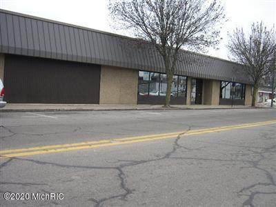 423 Sycamore Street - Photo 1