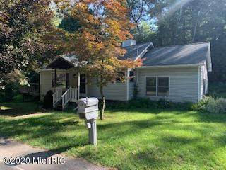 90 N Clymer Street, Pentwater, MI 49449 (MLS #20036656) :: Keller Williams RiverTown