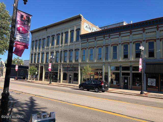 216 W Main Street #6, Lowell, MI 49331 (MLS #20036916) :: Deb Stevenson Group - Greenridge Realty