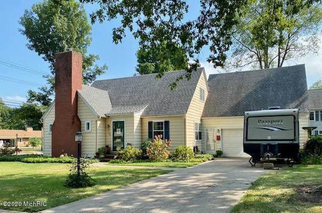 611 Cottage Street, Sturgis, MI 49091 (MLS #20037454) :: Ginger Baxter Group