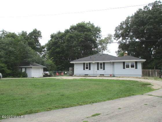 1828 Bond Street, Niles, MI 49120 (MLS #20037901) :: Ron Ekema Team