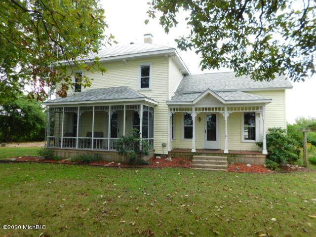 571 W Southern Road, Bronson, MI 49028 (MLS #20037961) :: Keller Williams RiverTown