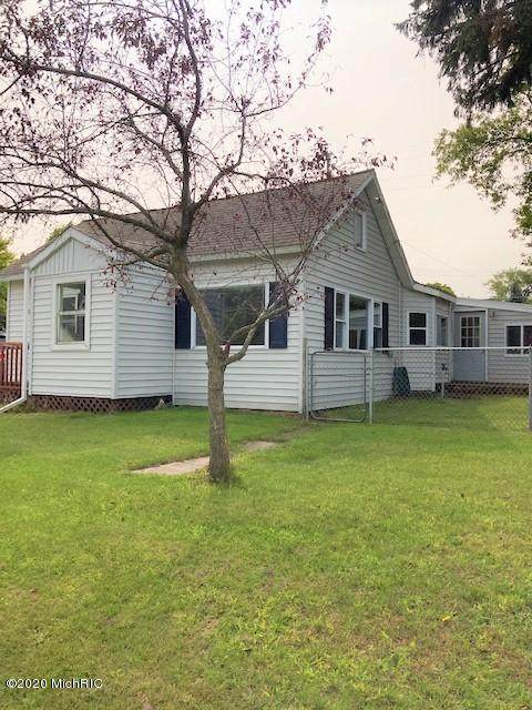 606 First, Ludington, MI 49431 (MLS #20039077) :: Ron Ekema Team