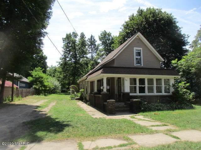 303 W Wayne Street, Dowagiac, MI 49047 (MLS #20039337) :: Ginger Baxter Group