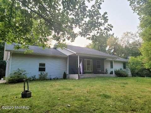 10 Johnson Road, Otsego, MI 49078 (MLS #20039435) :: Deb Stevenson Group - Greenridge Realty