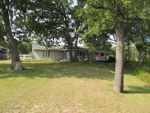 1037 S Maple Island Road, Muskegon, MI 49442 (MLS #20039643) :: Keller Williams RiverTown