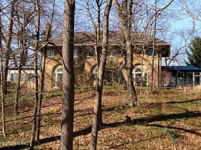 315 Woodside Avenue, Kalamazoo, MI 49006 (MLS #20040071) :: Deb Stevenson Group - Greenridge Realty