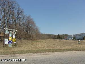 200 E Parkdale Avenue, Manistee, MI 49660 (MLS #20045914) :: JH Realty Partners