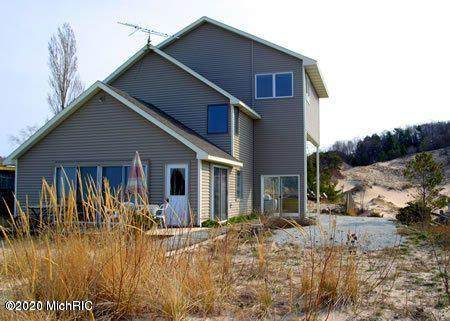 3861 S Lakeview Drive, Shelby, MI 49455 (MLS #20046531) :: Deb Stevenson Group - Greenridge Realty