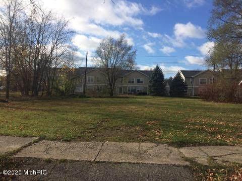 854 Superior Street, Benton Harbor, MI 49022 (MLS #20047205) :: Deb Stevenson Group - Greenridge Realty