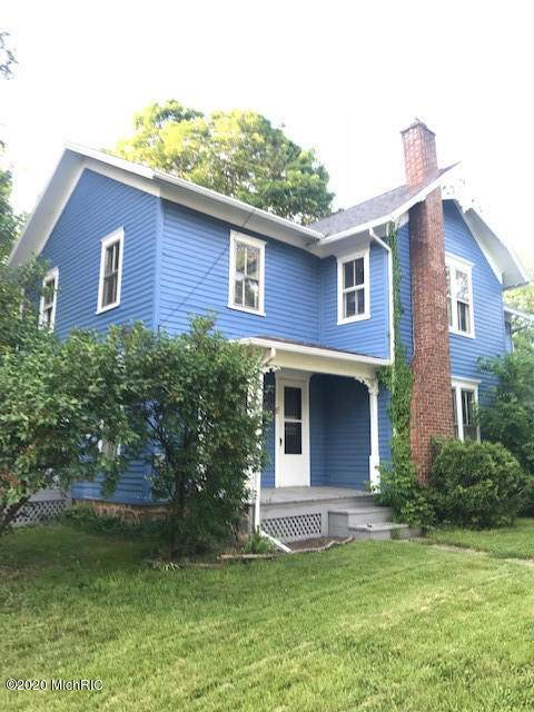 741 E Michigan Avenue, Marshall, MI 49068 (MLS #20048396) :: Deb Stevenson Group - Greenridge Realty