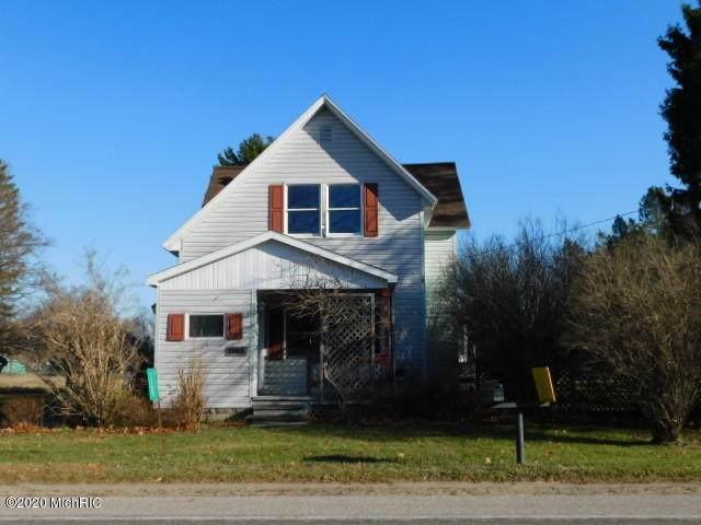 1265 Maple Road, Manistee, MI 49660 (MLS #20048520) :: Deb Stevenson Group - Greenridge Realty