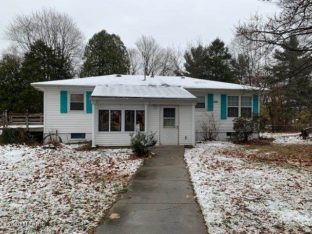 1913 E Bertrand Road, Niles, MI 49120 (MLS #20048720) :: Deb Stevenson Group - Greenridge Realty