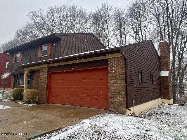 515 Edgeworthe Drive SE, Ada, MI 49301 (MLS #20048861) :: Ron Ekema Team