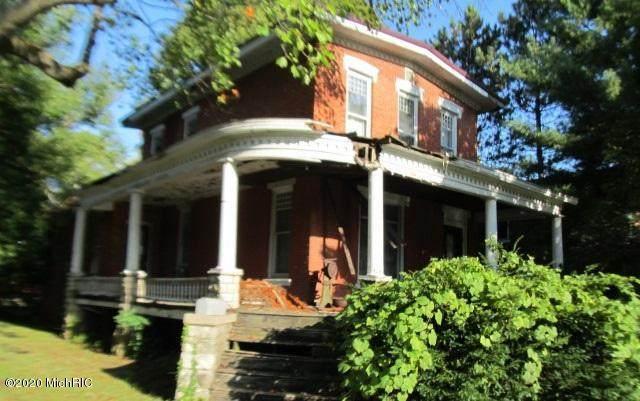 355 S Washington Street, Constantine, MI 49042 (MLS #20049342) :: CENTURY 21 C. Howard