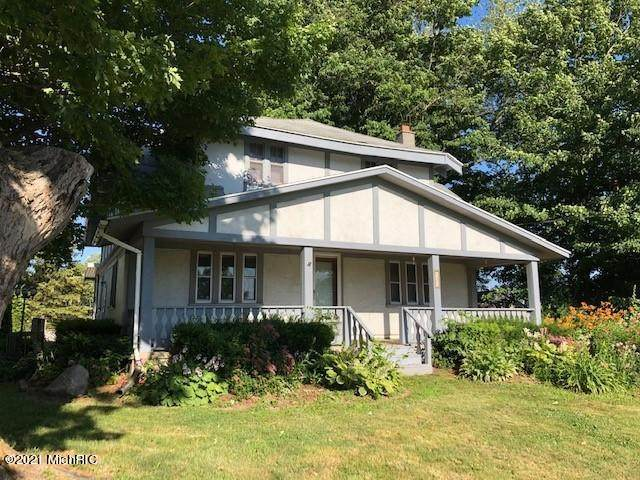 4609 Division Avenue S, Wayland, MI 49348 (MLS #21001100) :: JH Realty Partners
