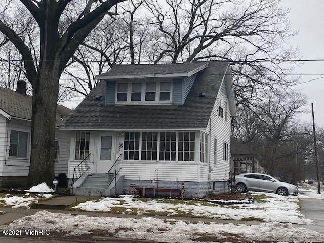 3201 Peck Street, Muskegon Heights, MI 49444 (MLS #21001444) :: Jennifer Lane-Alwan
