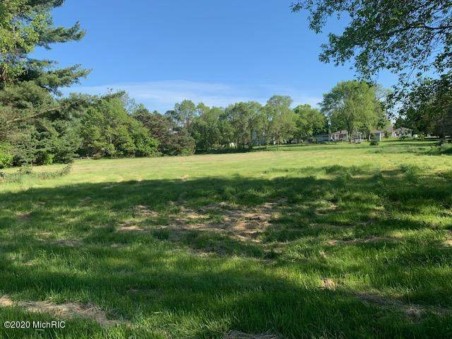 916 Pine Street, Ludington, MI 49431 (MLS #21001726) :: Deb Stevenson Group - Greenridge Realty