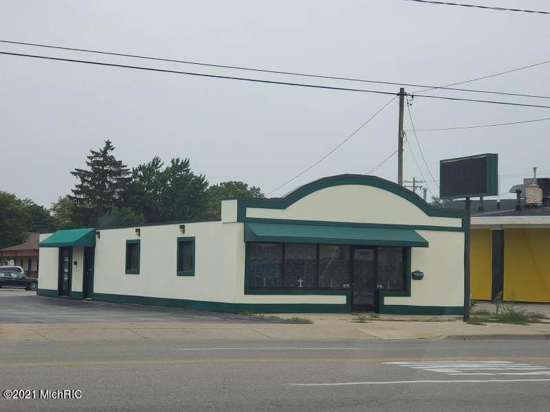 3023 Henry Street - Photo 1