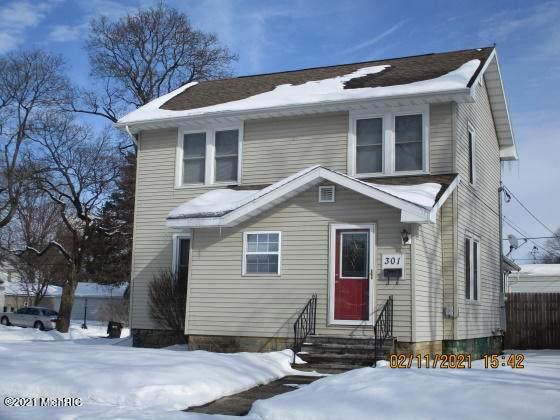 301 Cecil Street, Buchanan, MI 49107 (MLS #21004411) :: Deb Stevenson Group - Greenridge Realty